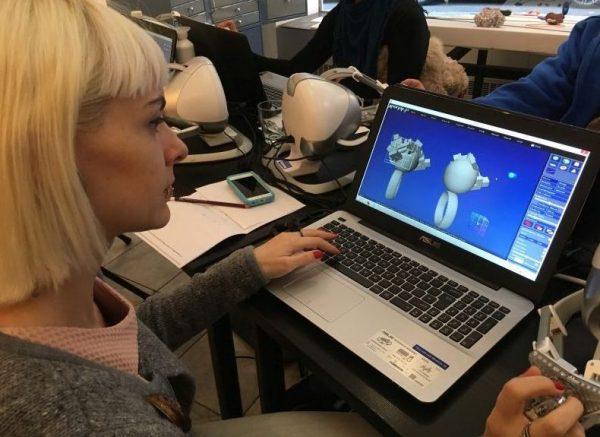 Workshop in Vienna, 2017. Haptic Anarkik3D Design for 3D modelling for 3D printing.