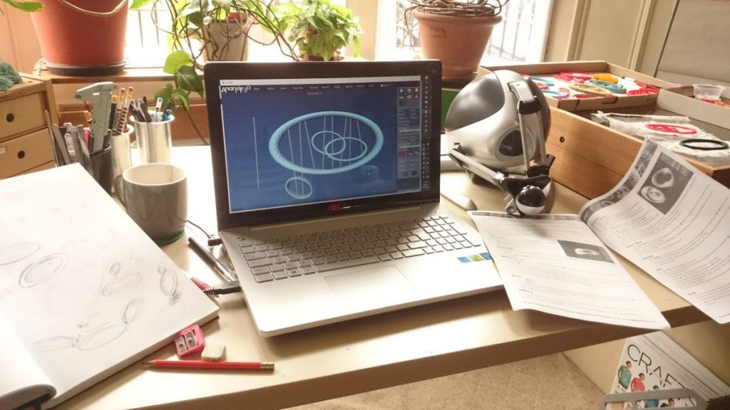 Loan Anarkik3DDesign, a 3D modelling programme runninh on both PC and Mac, using a haptic device to touch and feel your virtual 3D models